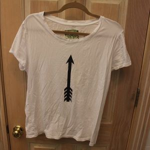 Tops - Arrow graphic T shirt